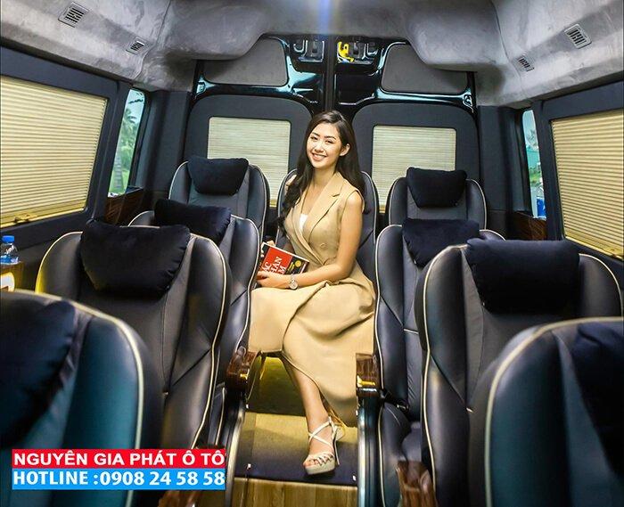 xe khach hyundai solati limousine